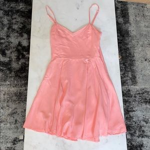 Aritzia Talula Lipinski pink dress